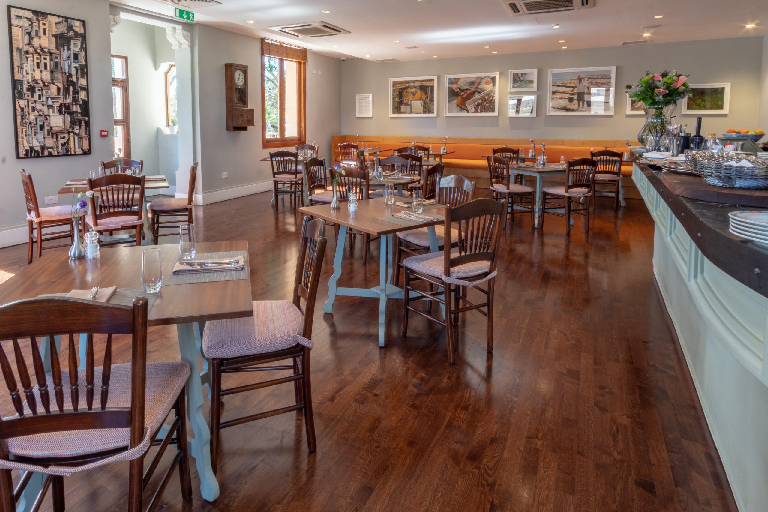 Cafe Phoenicia